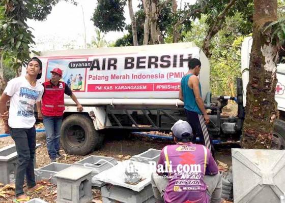 Nusabali.com - pmi-distribusikan-10000-liter-air