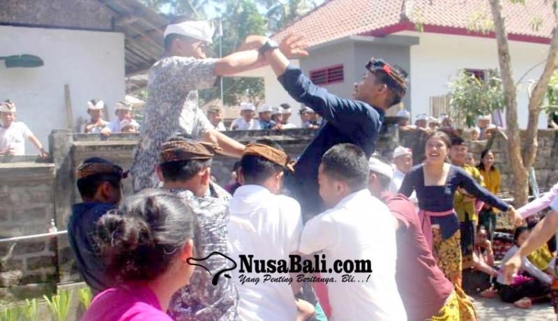 www.nusabali.com-siswa-smkn-2-bangli-magoak-goakan