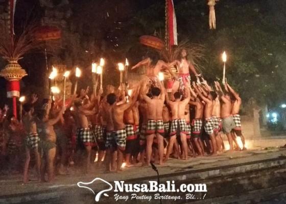 Nusabali.com - kecak-kisah-pertarungan-subali-sugriwa-yang-menjadi-ikon-pulau-dewata