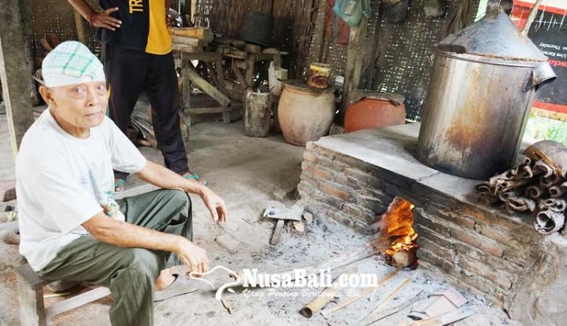 www.nusabali.com-industri-arak-bali-sejak-zaman-belanda