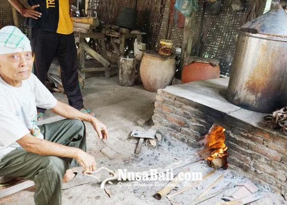Nusabali.com - industri-arak-bali-sejak-zaman-belanda
