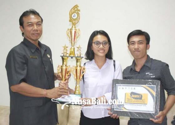 Nusabali.com - mahasiswa-undiksha-raih-juara-i-lomba-esai-nasional