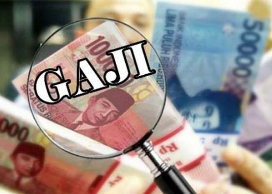 Nusabali.com - dewan-dukung-kenaikan-gaji-pegawai-pdam