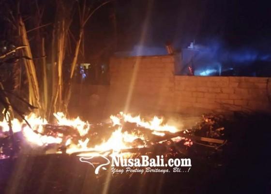 Nusabali.com - ditinggal-sembahyang-warung-hangus-terbakar