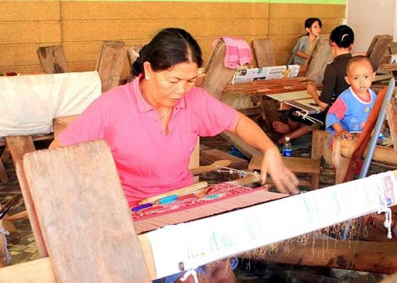 Nusabali.com - disperindag-bali-lakukan-pendampingan-tenaga-desainer