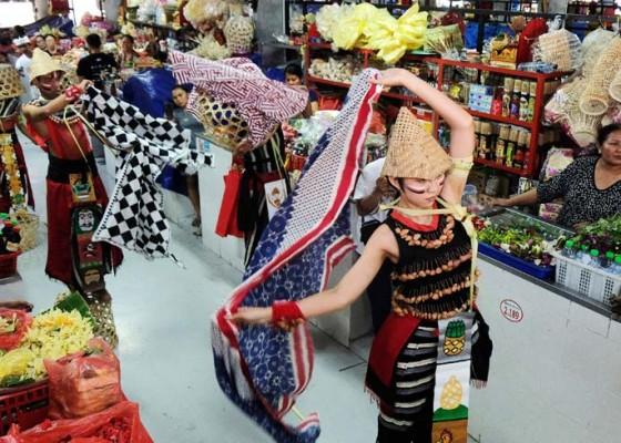 Nusabali.com - menari-di-pasar