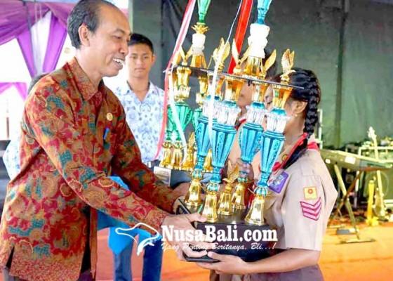 Nusabali.com - smpn-2-manggis-dan-smpn-2-kubu-juara-pramuka