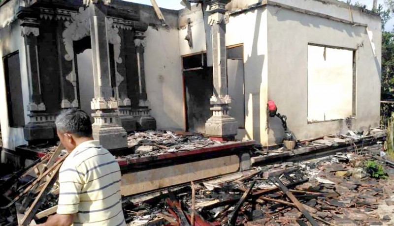 www.nusabali.com-rumah-terbakar-uang-tunai-sekitar-rp-10-juta-jadi-abu