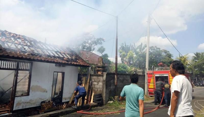 www.nusabali.com-kebakaran-hanguskan-rumah-di-ubud