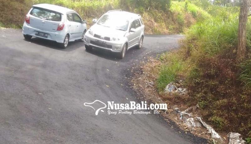 www.nusabali.com-jalan-menuju-balingkang-diperlebar-pamedek-lebih-nyaman-di-perjalanan