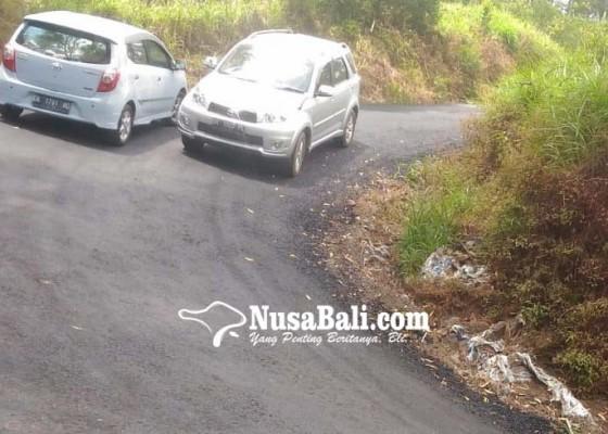 Nusabali.com - jalan-menuju-balingkang-diperlebar-pamedek-lebih-nyaman-di-perjalanan