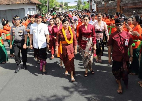 Nusabali.com - kesatuan-gerak-pkk-kkbpk-desa-bona-blahbatuh-dinilai-tim-provinsi-bali