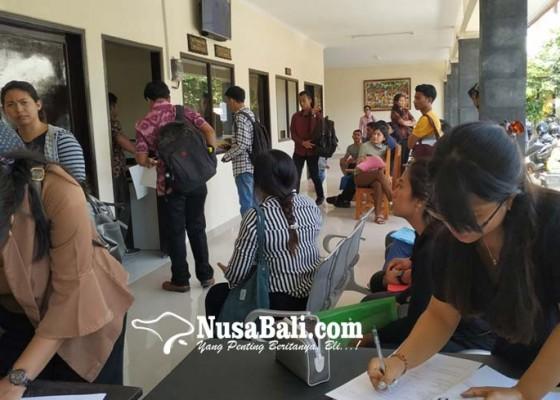 Nusabali.com - rekrutmen-cpns-dibuka-pemohon-skck-membeludak
