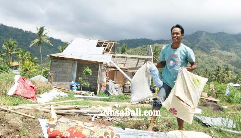 www.nusabali.com-puting-beliung-terjang-tiga-desa-di-kubutambahan