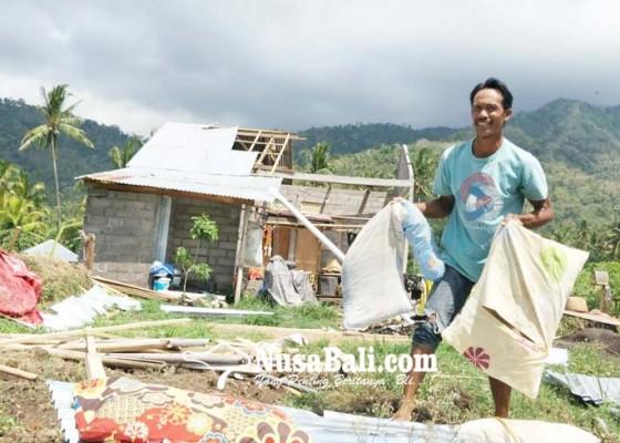 Nusabali.com - puting-beliung-terjang-tiga-desa-di-kubutambahan