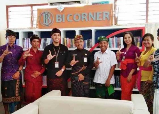 Nusabali.com - dinas-perpustakaan-terima-bantuan-350-buku-dari-bi