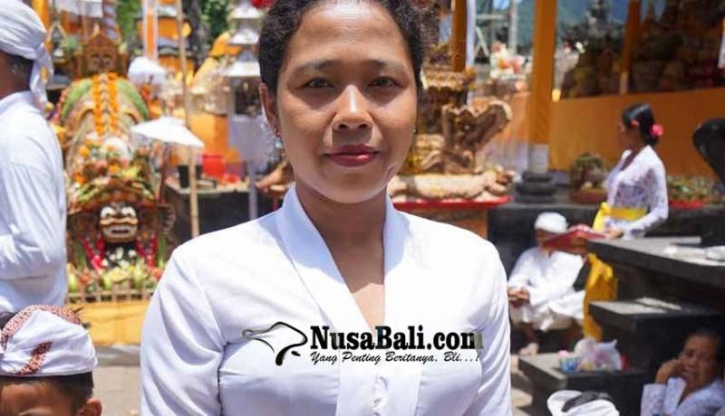 www.nusabali.com-pertama-kali-wanita-menari-keris-gunakan-keris-pusaka