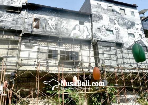 Nusabali.com - mural-bercerita-hiasi-tukad-badung