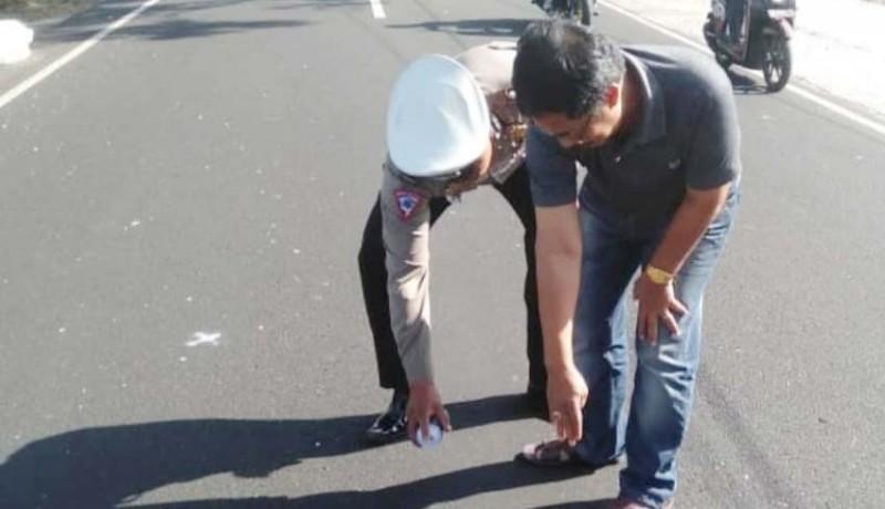www.nusabali.com-diduga-ngantuk-pemotor-tewas-tabrak-mobil