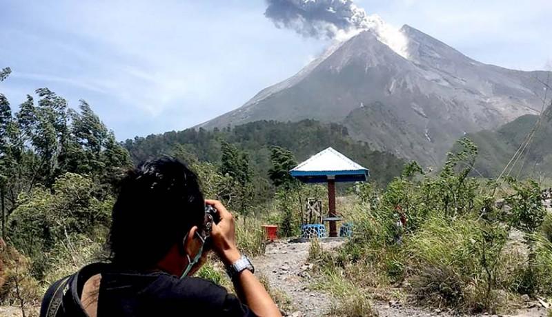 www.nusabali.com-gunung-merapi-meletus-jauhi-radius-3-km