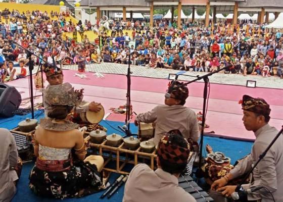 Nusabali.com - seniman-bali-disambut-antusias