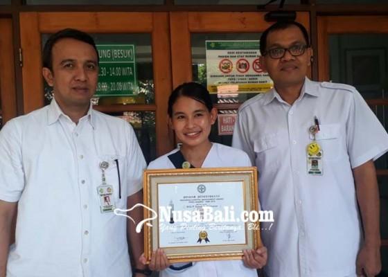 Nusabali.com - terapi-musik-kurangi-kecemasan-pasien