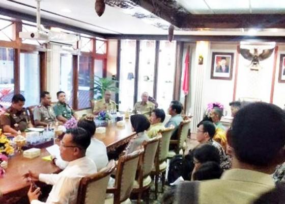 Nusabali.com - warga-difasilitasi-dirikan-pura