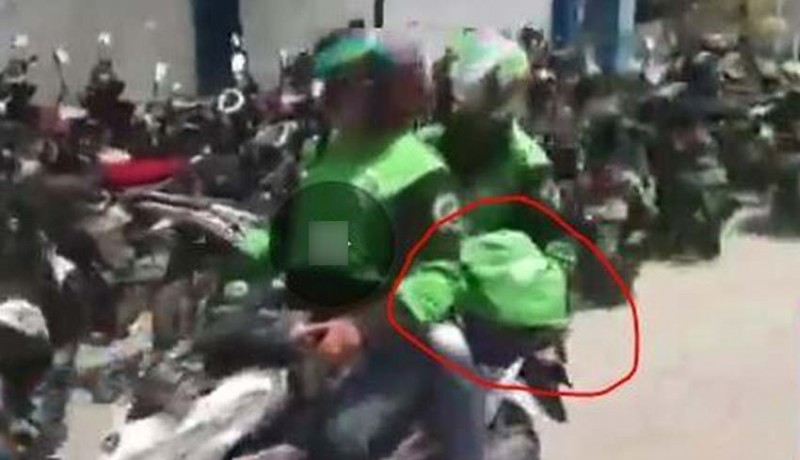 www.nusabali.com-viral-rombongan-ojol-bawa-lari-jenazah-bayi