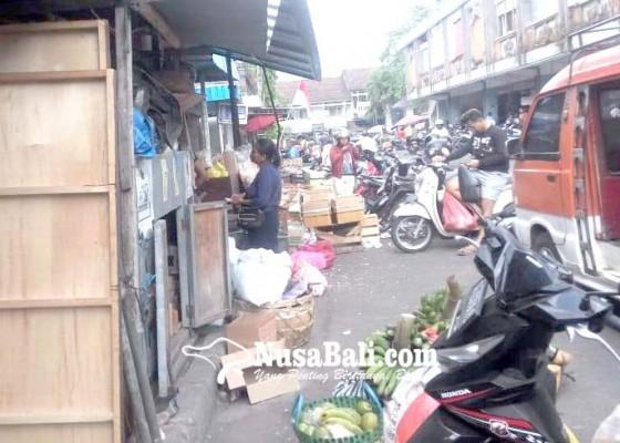 Nusabali.com - pedagang-pasar-kidul-ancam-mengadu-ke-dewan