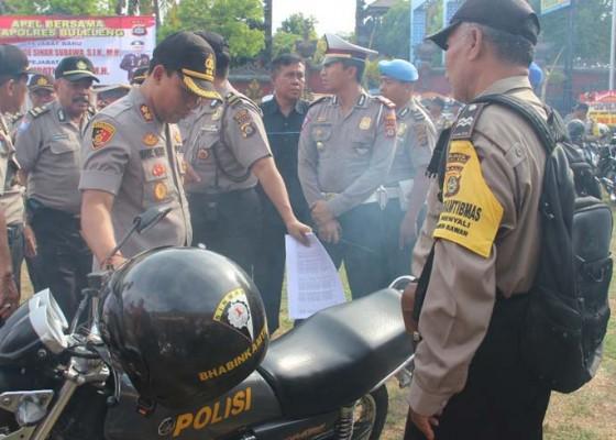 Nusabali.com - kapolres-buleleng-cek-kendaraan-bhabinkamtibmas