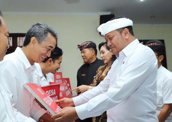Nusabali.com - gianyar-tetapkan-kemiskinan-7554-kk