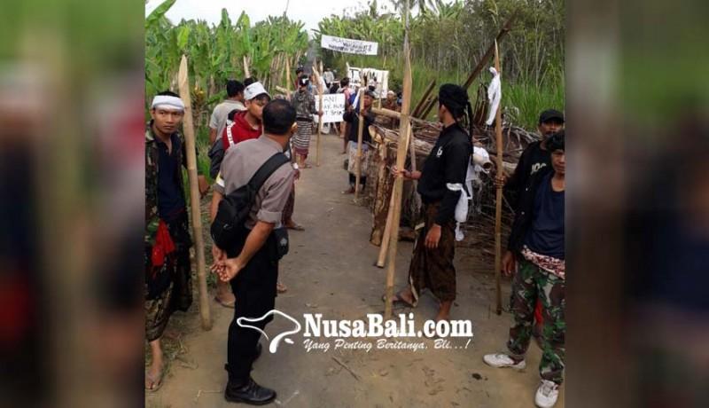 www.nusabali.com-blokade-warga-selasih-dibongkar-paksa