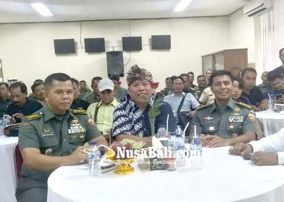 Nusabali.com - kapendam-ixudayana-simakrama-dengan-wartawan