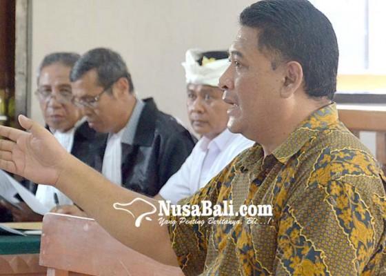 Nusabali.com - terdakwa-wayan-wakil-kritis