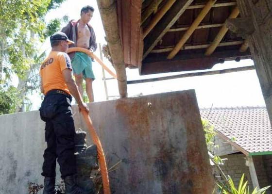 Nusabali.com - krama-banjar-kayu-wit-disuplai-5000-liter-air