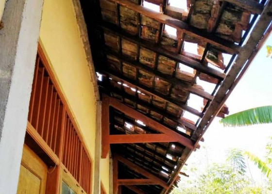 Nusabali.com - lima-sekolah-terdampak-gempa-seririt