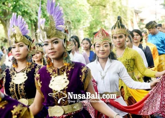 Nusabali.com - pameran-keris-pusaka-dan-logam