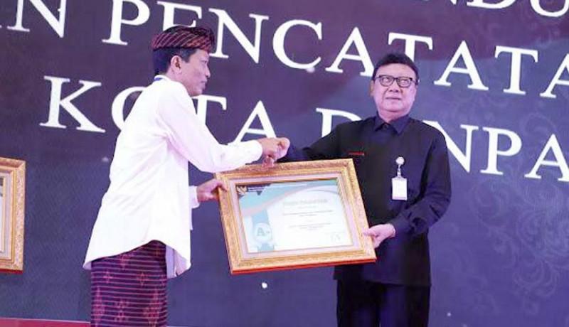 www.nusabali.com-tiga-opd-kota-denpasar-raih-penghargaan-pelayanan-publik-dari-kemenpan-rb