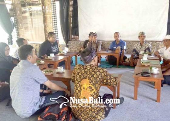 Nusabali.com - tim-kongres-aksara-jawa-studi-ke-dukuh-penaban