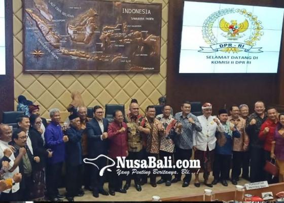 Nusabali.com - bermodal-kekompakan-sodorkan-cara-berotonomi-yang-benar