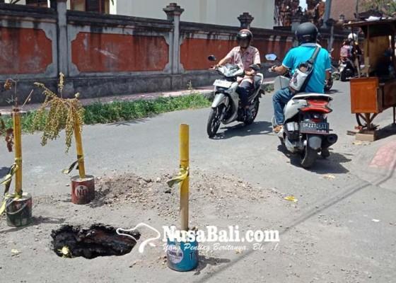 Nusabali.com - warga-jalan-kaliasem-khawatiri-jalan-jebol