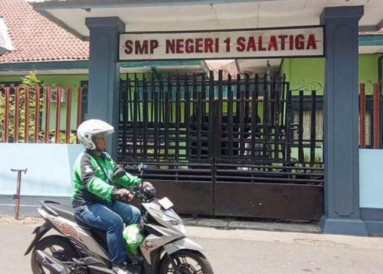 Nusabali.com - siswa-smpn-1-terancam-tak-bisa-ikut-un-sma