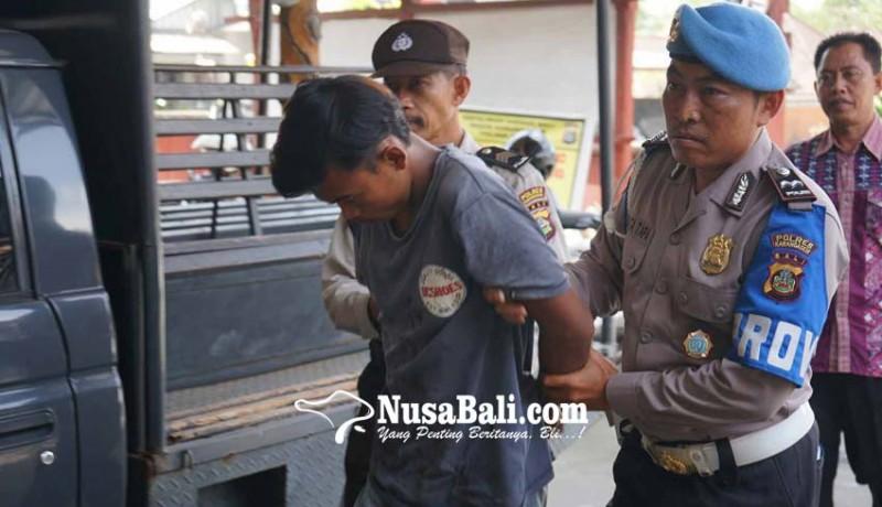 www.nusabali.com-pelaku-dikejar-massa-bersenjata-pedang
