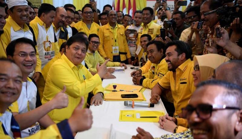 www.nusabali.com-airlangga-vs-bamsoet-resmi-tarung