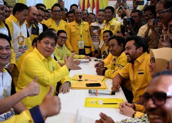 Nusabali.com - airlangga-vs-bamsoet-resmi-tarung