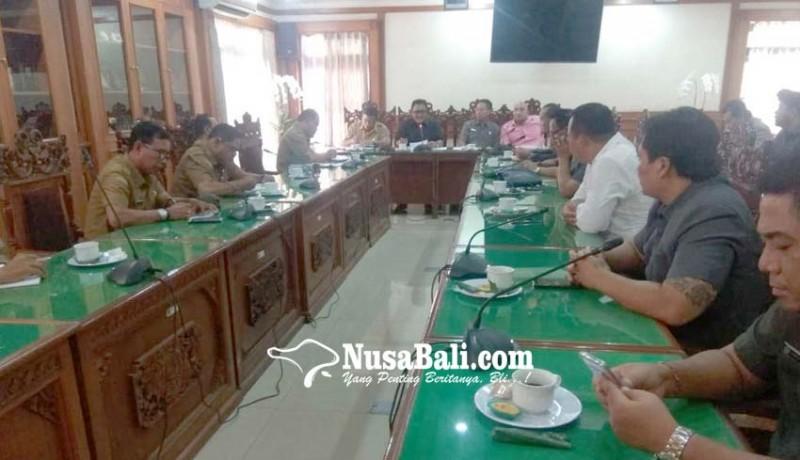 www.nusabali.com-dewan-bertemu-perbekel-se-kota-denpasar