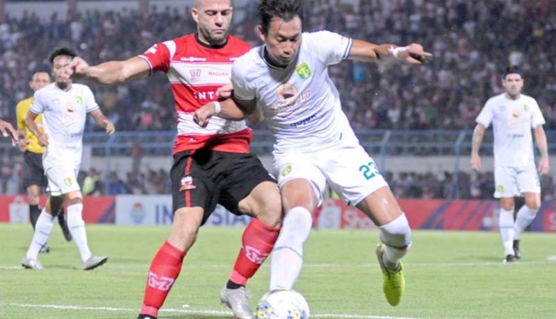 www.nusabali.com-comeback-dramatis-persebaya-menangi-derby-suramadu