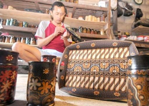 Nusabali.com - kerajinan-batik-bambu