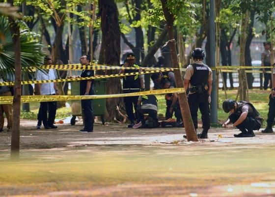 Nusabali.com - granat-asap-di-monas-bukan-milik-polisi