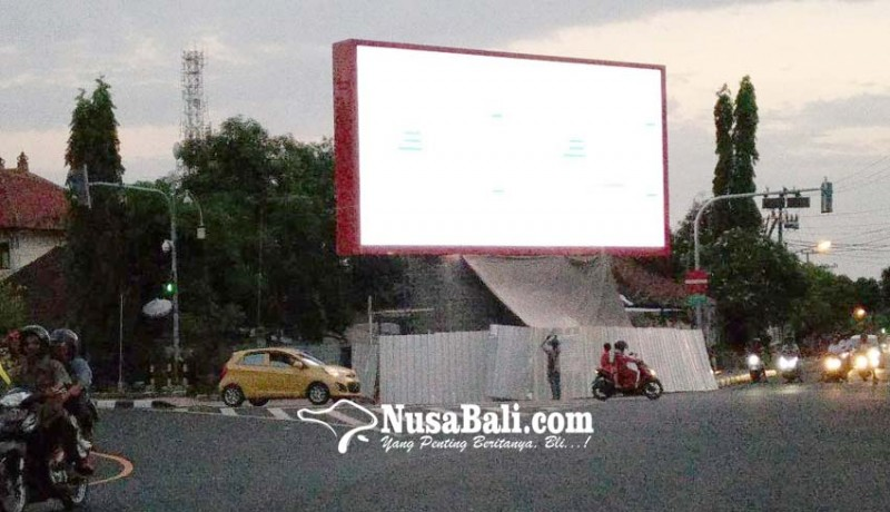 www.nusabali.com-pemandangan-ke-layar-videotron-tak-efektif